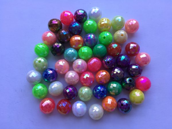 50 Faceted plastic round beads 10mm