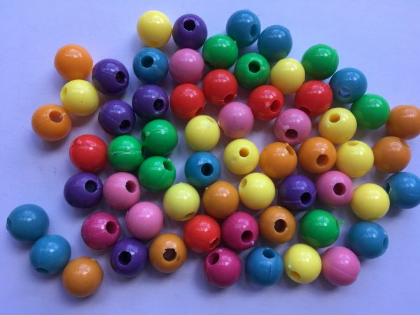 55 Plastic smooth round beads 10mm