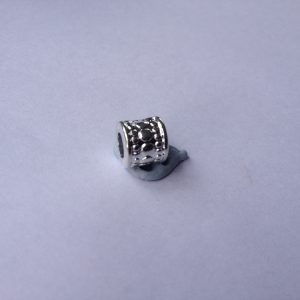1 Metal spacer charm
