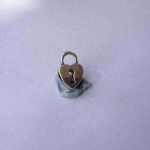 1 Metal padlock charm