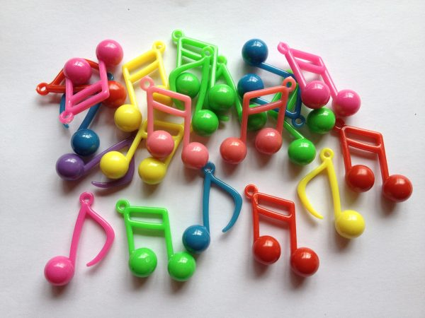20 music note charms/pendants