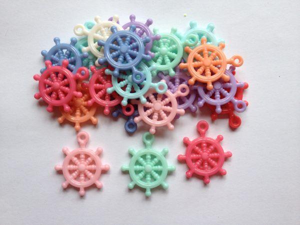 20 Ships wheel charms
