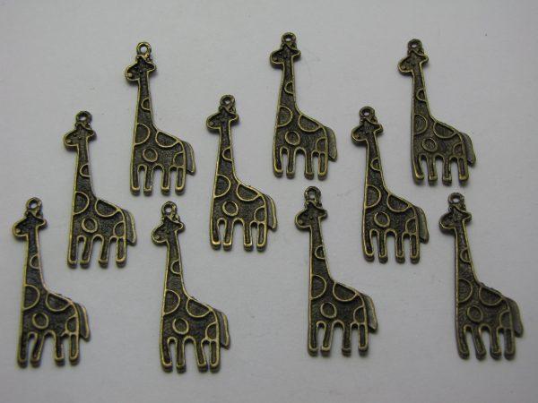 10 Bronze metal giraffe charms